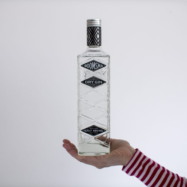 Boomsma_dry-gin-review_design-fles