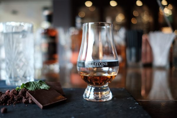 bourbon-proeven-sorel's-bar