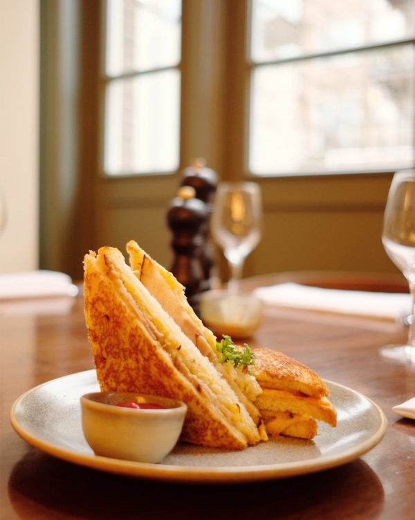 dutch-tosti-lunch-cafe-ons-huis-amsterdam