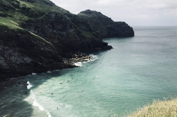 strand- zuid-west-engeland-Bossiney Cove